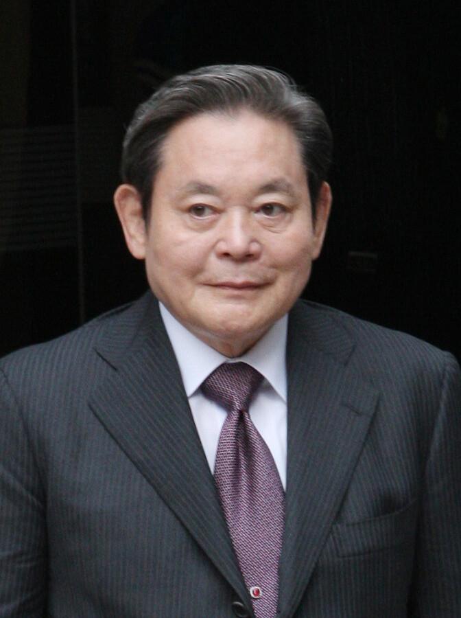 이건희 삼성그룹 회장이 25일 서울 일원동 삼성서울병원에서 별세했다. 향년 78세.