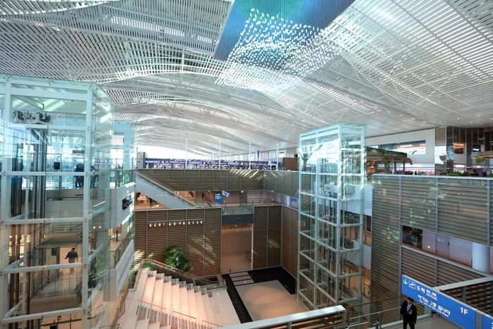 '비격리 여행권역' 도입은 언제쯤…막힌 하늘길에 속타는 공항·관광공사