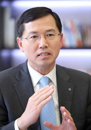 '장수 CEO' 임영진 신한카드 사장, 내·외부 혁신으로 업계 선도