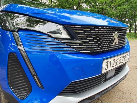 """[시승기] """"스타일·효율 다 갖췄다""""... 푸조 3008 SUV"""