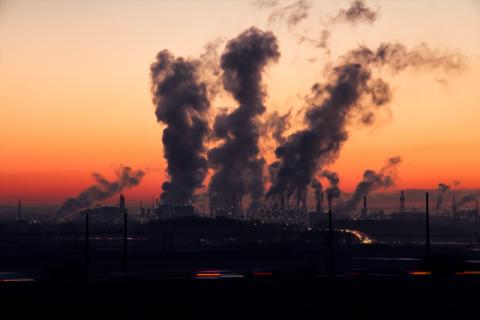식음료업계 대기오염물질 저감 박차…5년간 매출량 40% 가까이 줄여