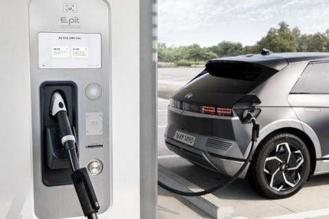 환경부, 지난해 전기차 급속 충전기 구축 '0'건…전기차 보급 확대와 엇박자