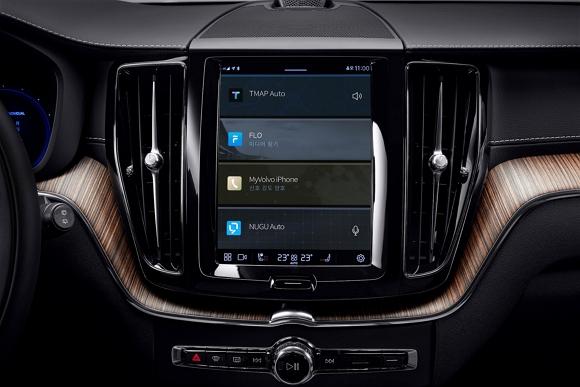 볼보자동차 신형 XC60에 적용된 SKT 인포테인먼트 서비스 화면.<사진제공=볼보자동차코리아>
