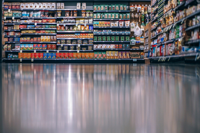 """""""우유값 너마저"""" …식품 가격 줄줄이 인상, 유제품까지 확산"""